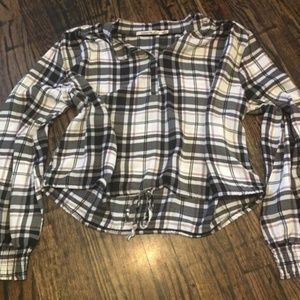 NWOT plaid cropped blouse!